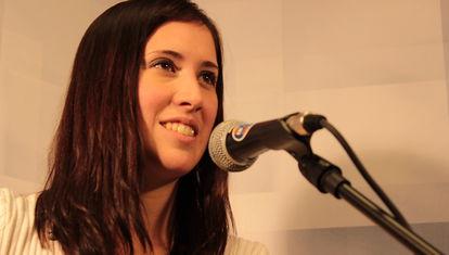 B&S: Laura Chinelli