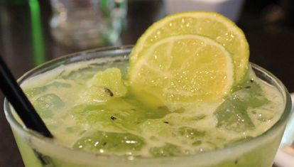 M bar: caipiroskas