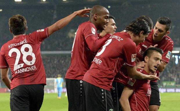 Bundesliga  Hannover y Leverkusen escoltas Detrás de ti   Chasque es ... ebb7b851aedd8