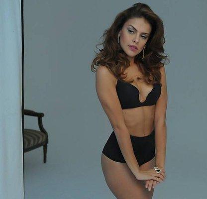 Brasileña Paloma Bernardi en campaña de lencería 5103060d83a8