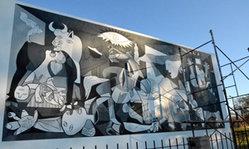 Contenido de la imagen Reproducción del Mural del Guernica de Picasso