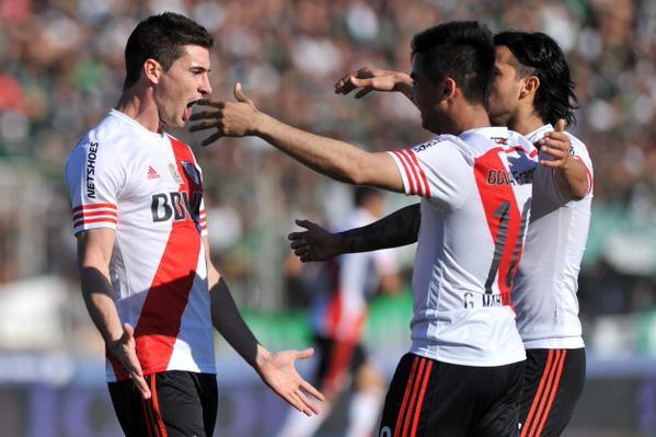 River Plate goléo a Nueva Chicago y sigue dando pelea en el fútbol ... 9283452042bab