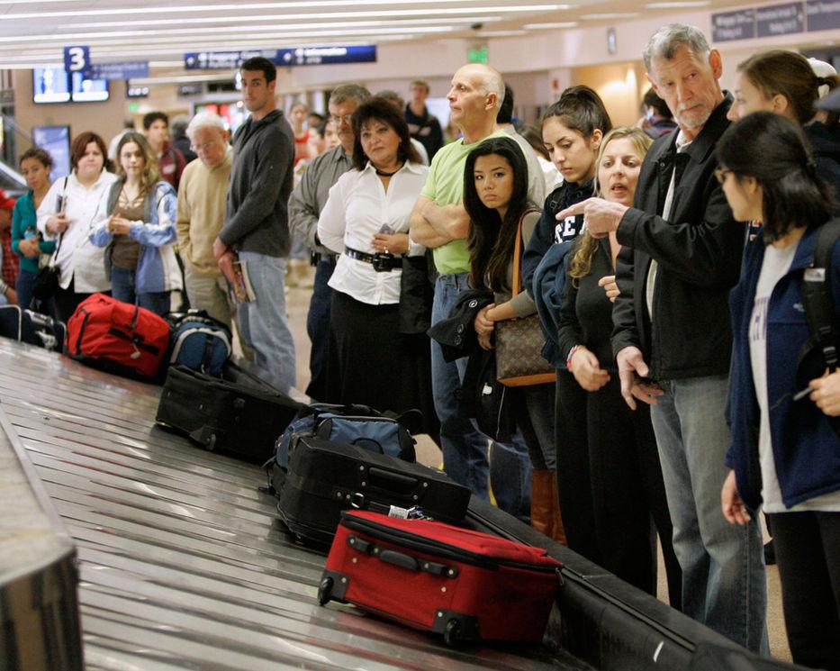 12864b5bf Diez trucos para que no pierdas -o te roben- la maleta en el aeropuerto