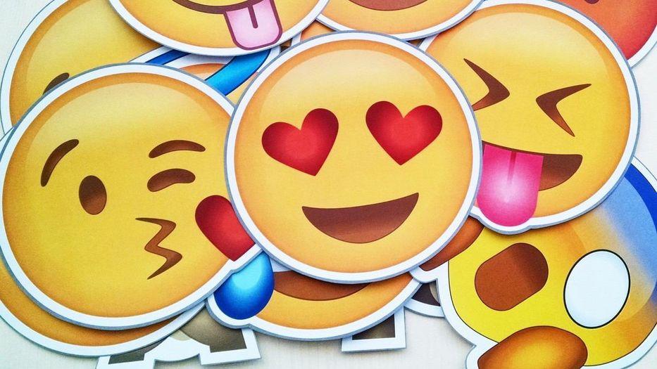 Twitter se vuelve más Facebook con sus nuevas reacciones con emoji
