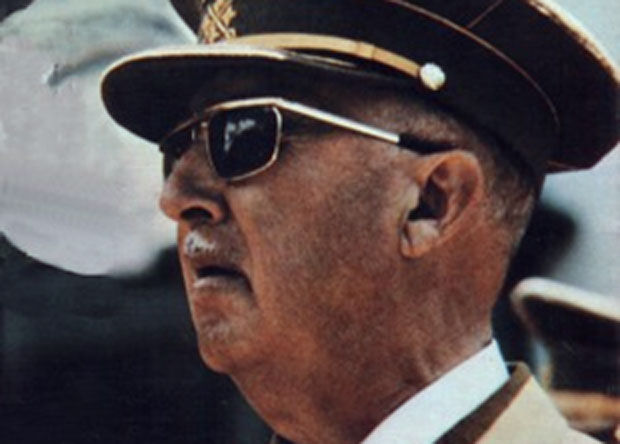 España: Gobierno aprobará exhumación de restos de dictador Franco