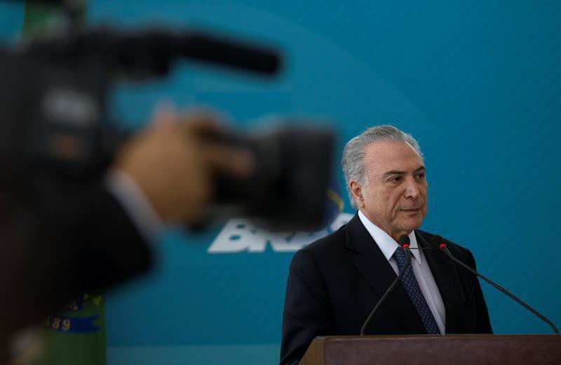 Temer anuncia 'intervención' en el estado fronterizo con Venezuela — Brasil