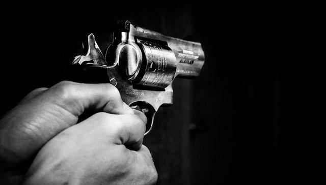 Disparos en la noche