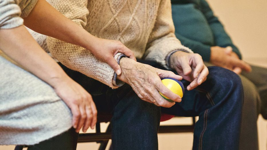 Municipios se comprometen a prevenir el maltrato a adultos mayores