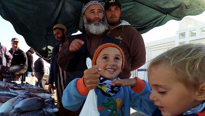 Desde un puerto, los Carakoles comienzan a despedirse de Marruecos
