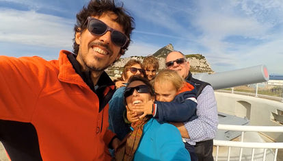 Los Carakoles reciben la visita de parte de la familia en España y recorren Andalucía
