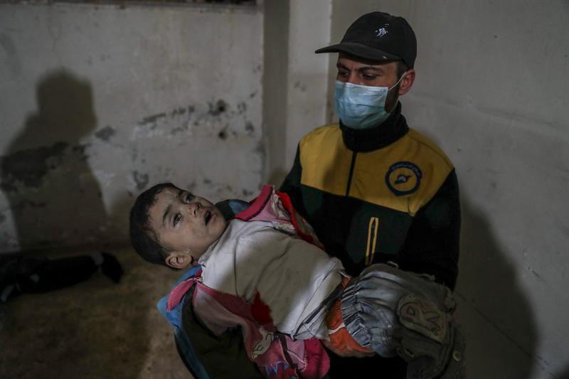 Mueren de frío 15 niños sirios en zonas controladas por EE.UU