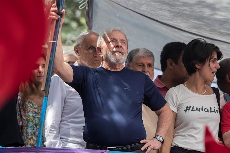 Desde la cárcel: Lula lanza su candidatura para la presidencia de Brasil