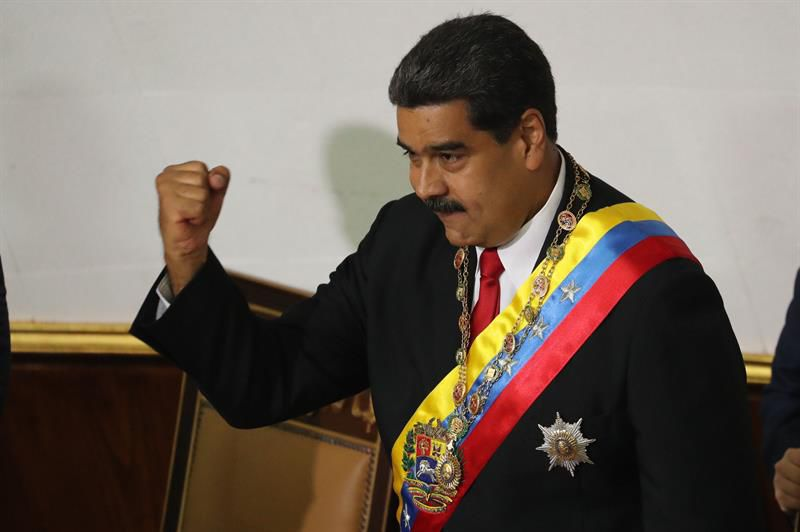 Evacúan a Nicolás Maduro tras explosión durante acto oficial — Venezuela
