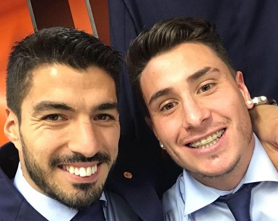 """Luis Suárez se sacó una foto con """"el goleador"""", Josema Giménez: """"¡Qué lindo debutar ganando!"""""""