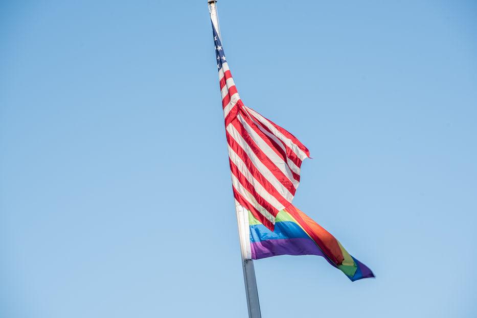Gobierno de Trump planearía eliminar reconocimiento a comunidad transgénero: NYT