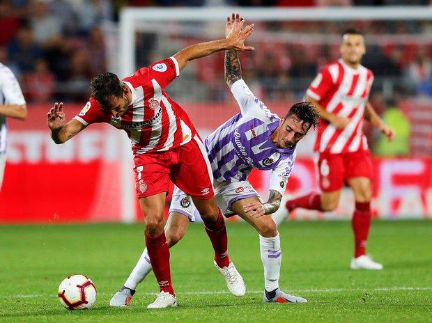 Cristhian Stuani en acción ante Valladolid. Foto: EFE l Alejandro García