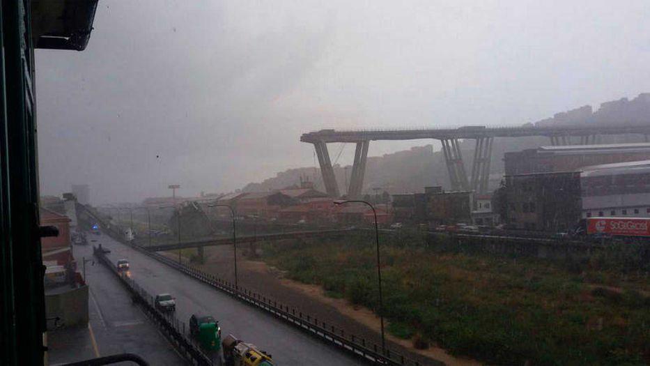 Varios muertos en el desplome de un puente en una autopista italiana