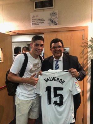Peñarol  Jorge Barrera se reunió con Florentino Pérez e51579e17f91c