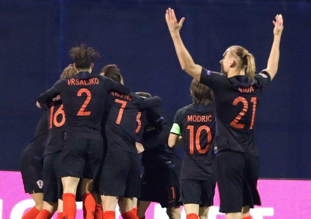 Croacia festeja su triunfo ante España. Foto: EFE l Antonio Bat