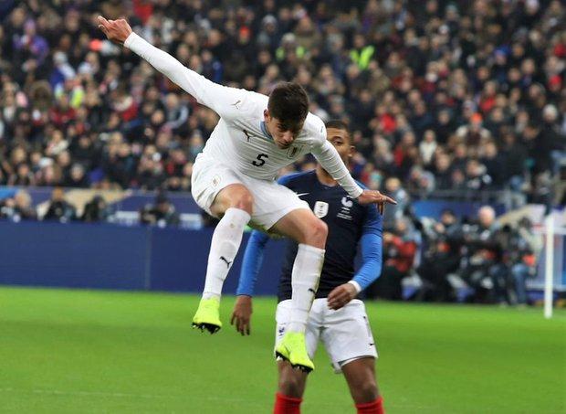 Federico Valverde fue titular contra Francia. Foto: Prensa AUF