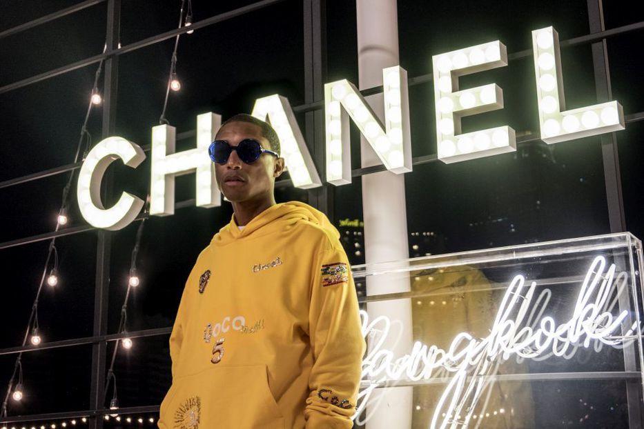 El rapero Pharrell Williams lanza una colección de ropa para Chanel 76574252d23