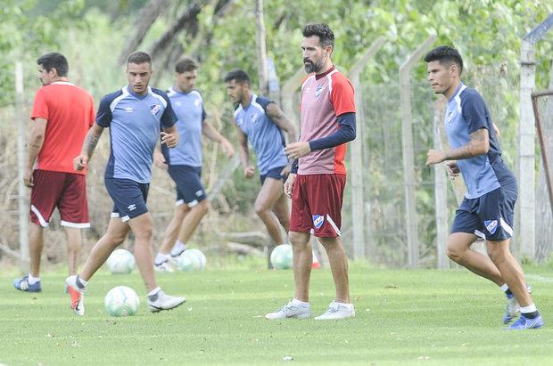Domínguez en pleno entrenamiento tricolor. Foto: Martin Martinez - FocoUy