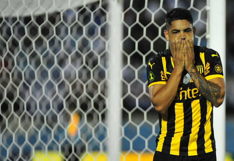 Gabriel Fernández, durante un partido (Foto: Dante Fernández / FocoUy).