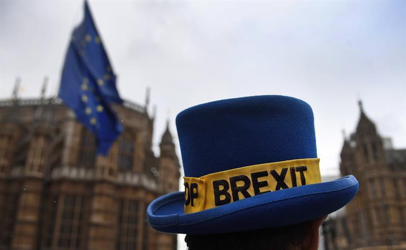 Theresa May pide a Bruselas más tiempo para alcanzar el Brexit