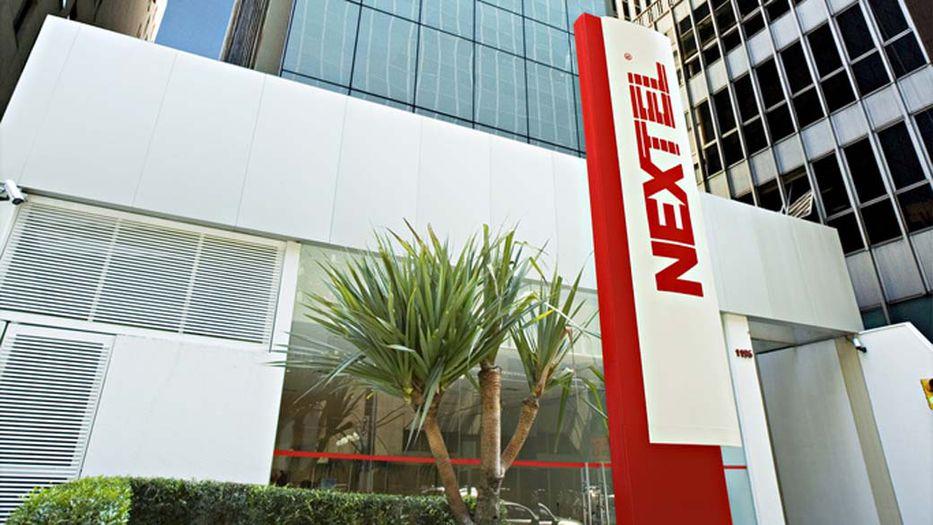 América Móvil comprará Nextel en Brasil por 905 mdd