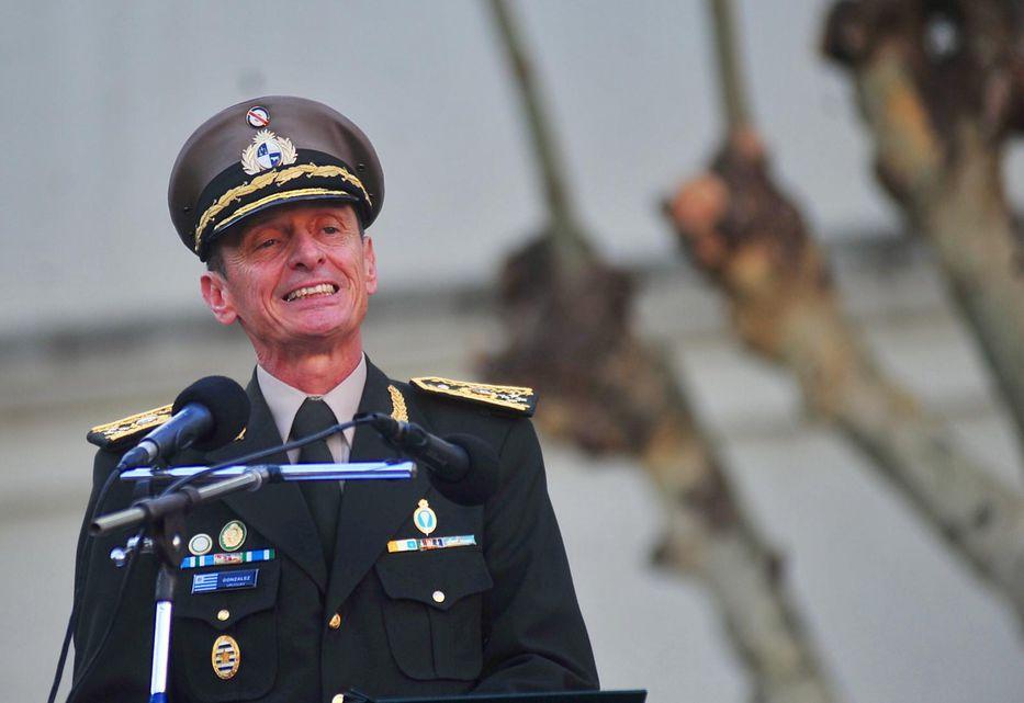 Tabaré Vázquez destituyó al ministro de Defensa ya la cúpula del Ejército