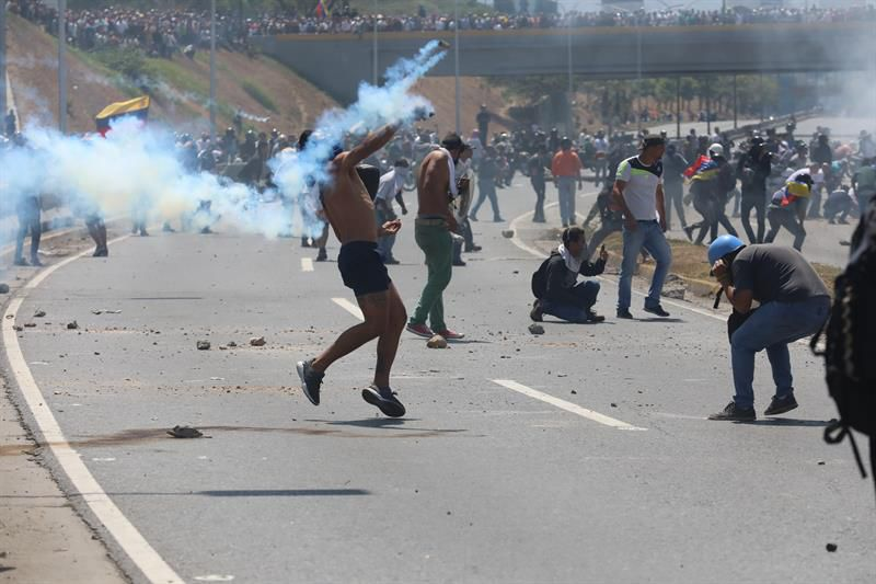 Tribunal Supremo de Venezuela ordena enjuiciar a otros 4 diputados
