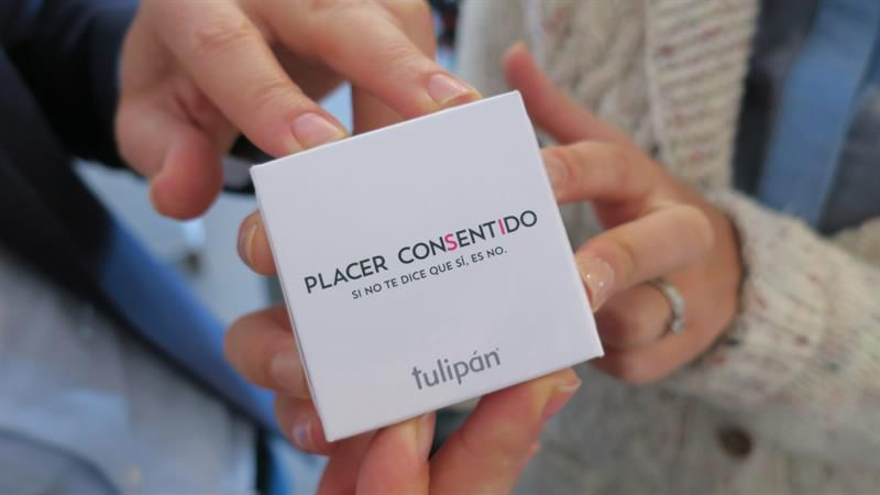 "Pack del consentimiento"": crean un preservativo que se abre solo ..."