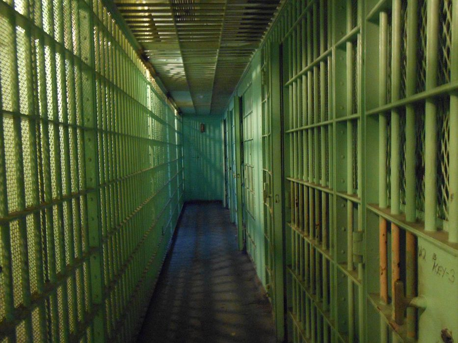 A la cárcel