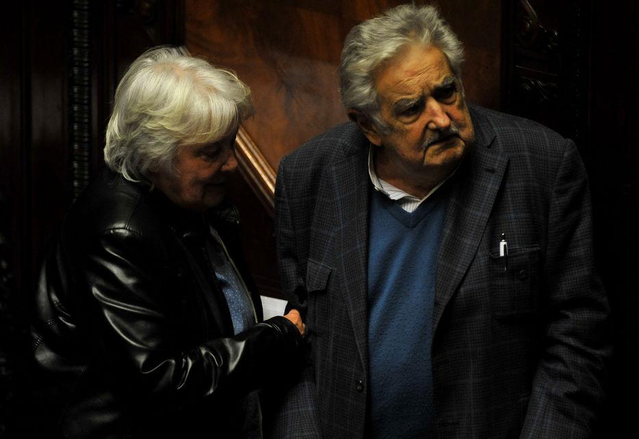 Asume en Uruguay nuevo Parlamento, que pone fin a izquierda