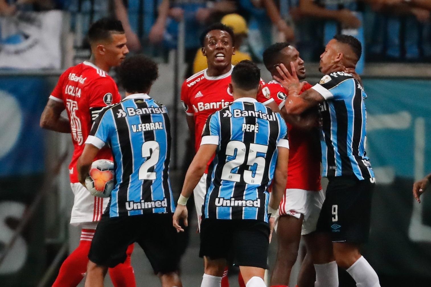 Libertadores Gremio E Inter Empataron Se Dio Una Batalla Campal Y Hubo Ocho Expulsados
