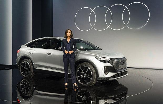Lanzamiento mundial: el Audi Q4 e-tron eléctrico determina la Celebración del Progreso