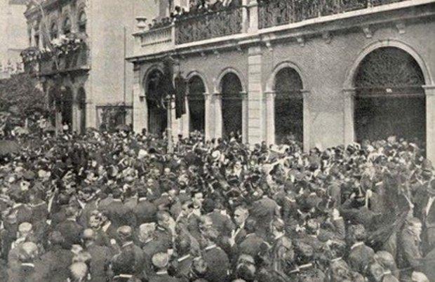 El pueblo de Río de Janeiro invade las calles durante las honras fúnebres del Barón de Río Branco